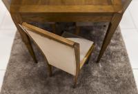 Λεπτομέρεια καρέκλας με καμπαρά